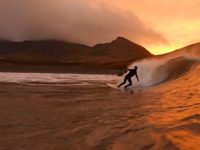 Sunset Surf In The Mountains of North Wales December 2018